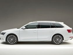 Skoda Superb Combi free download