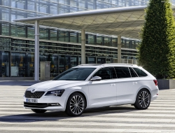 Skoda Superb Combi desktop wallpaper