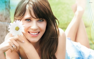 Zooey Deschanel widescreen