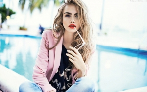 Cara Delevingne download wallpaper