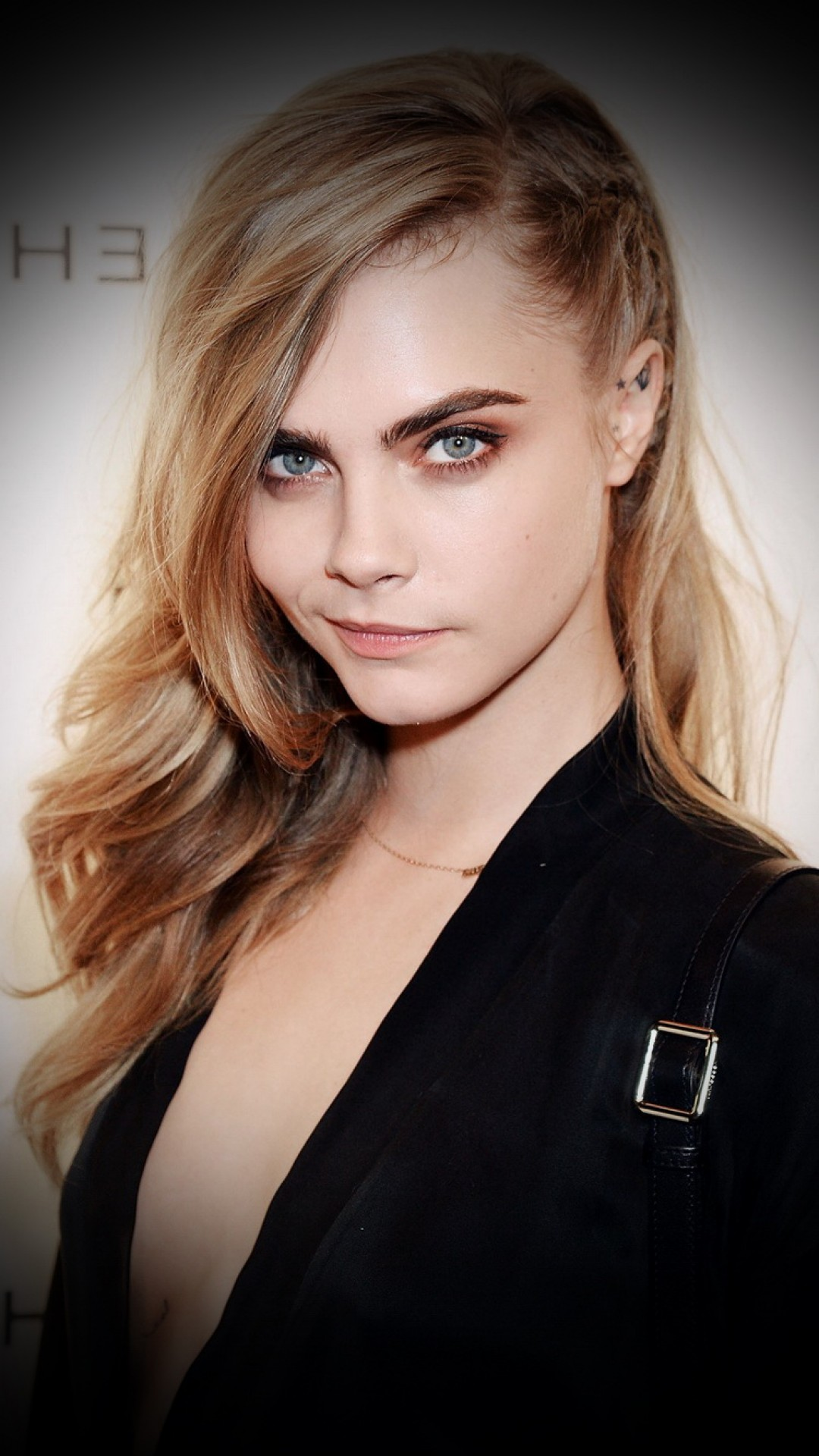 Cara Delevingne iphone screen