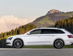 Skoda Superb Combi wallpapers