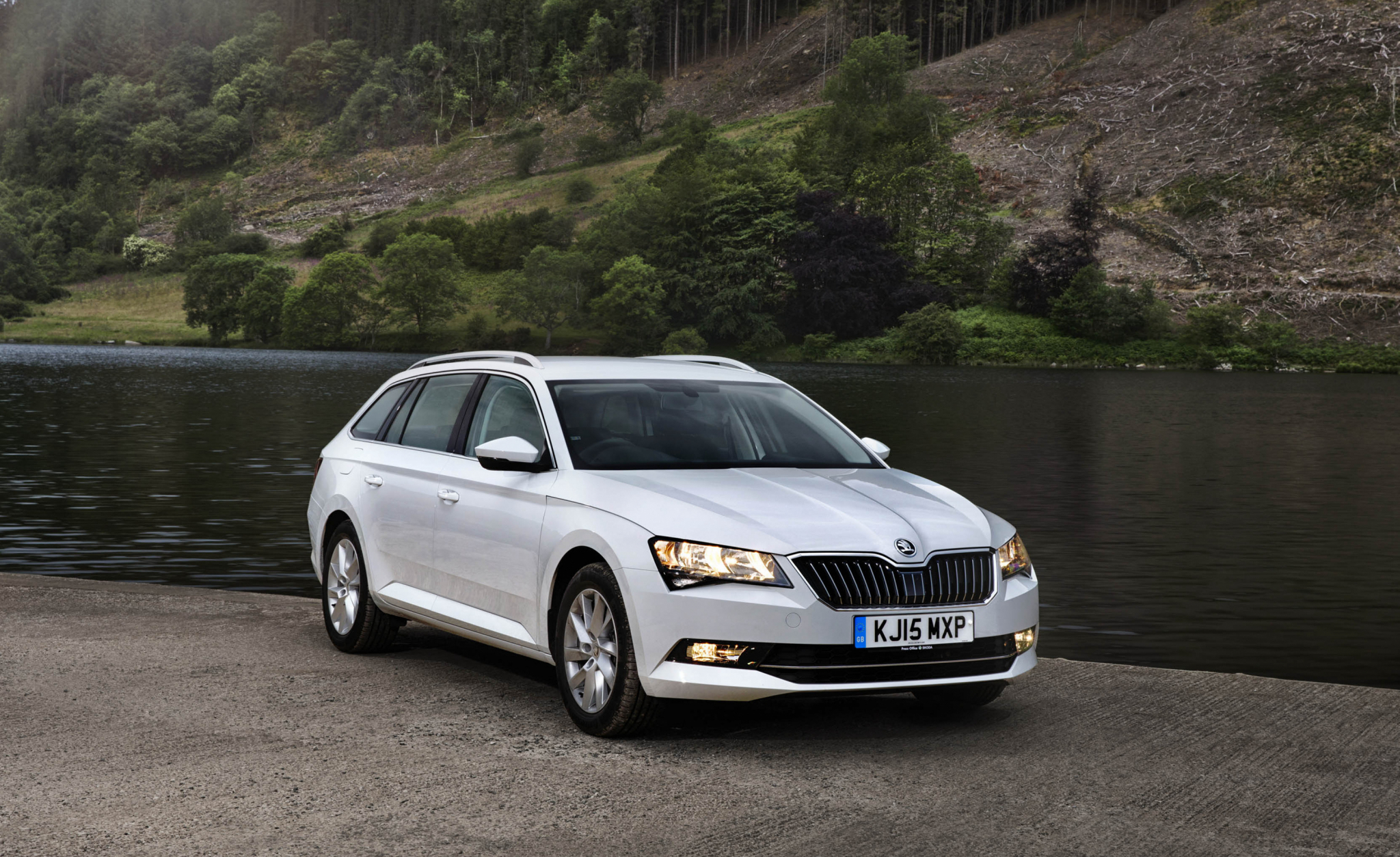 skoda superb combi 2015 hd wallpapers download. Black Bedroom Furniture Sets. Home Design Ideas