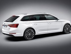 Skoda Superb Combi hd background