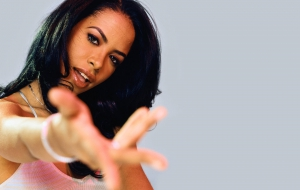 Aaliyah Widescreen