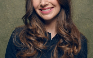 Alison Brie iphone Wallpapers