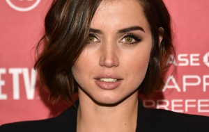 Ana de Armas iphone sexy Wallpapers
