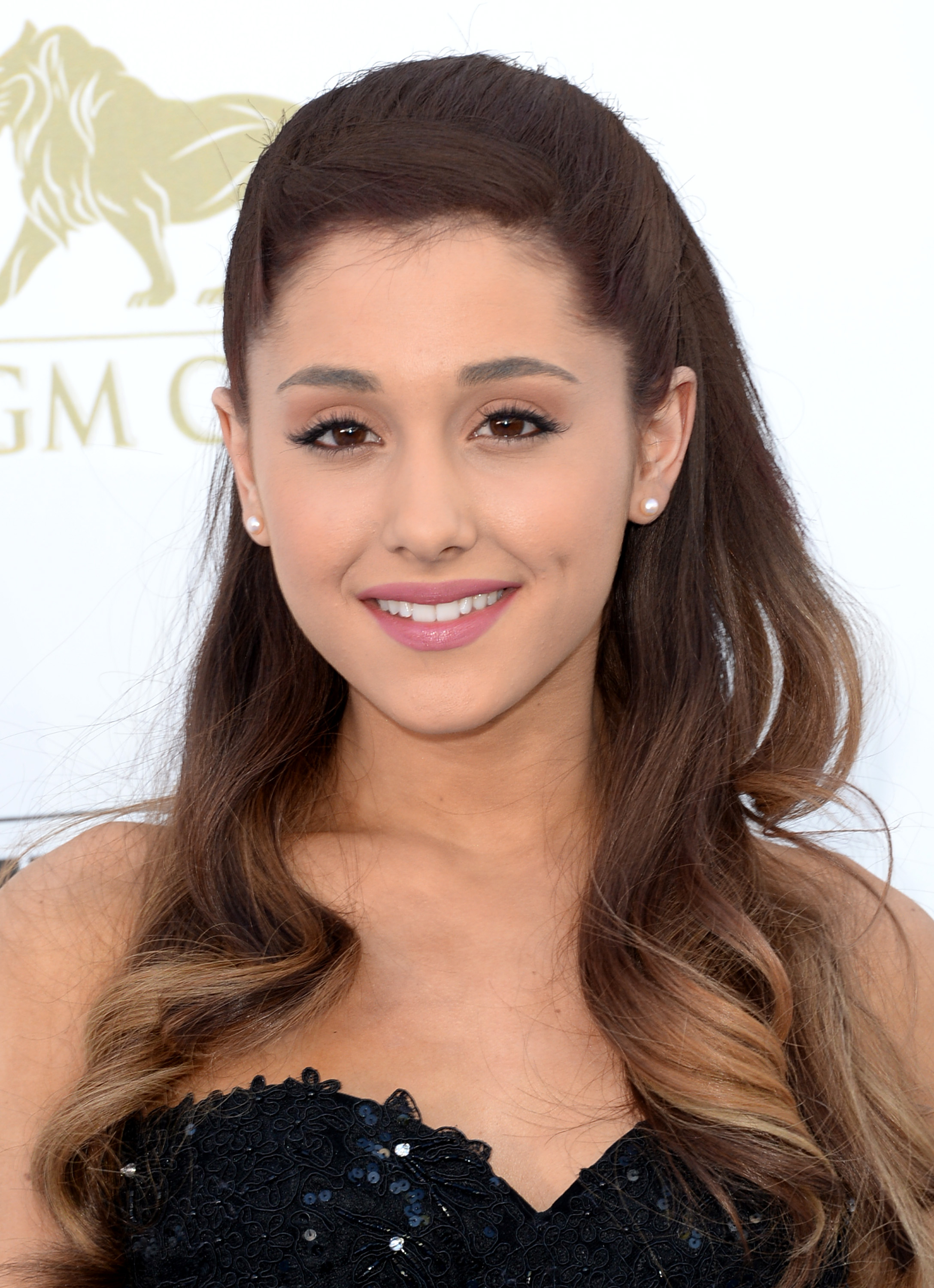 Ariana Grande Hd Desktop Wallpapers Download
