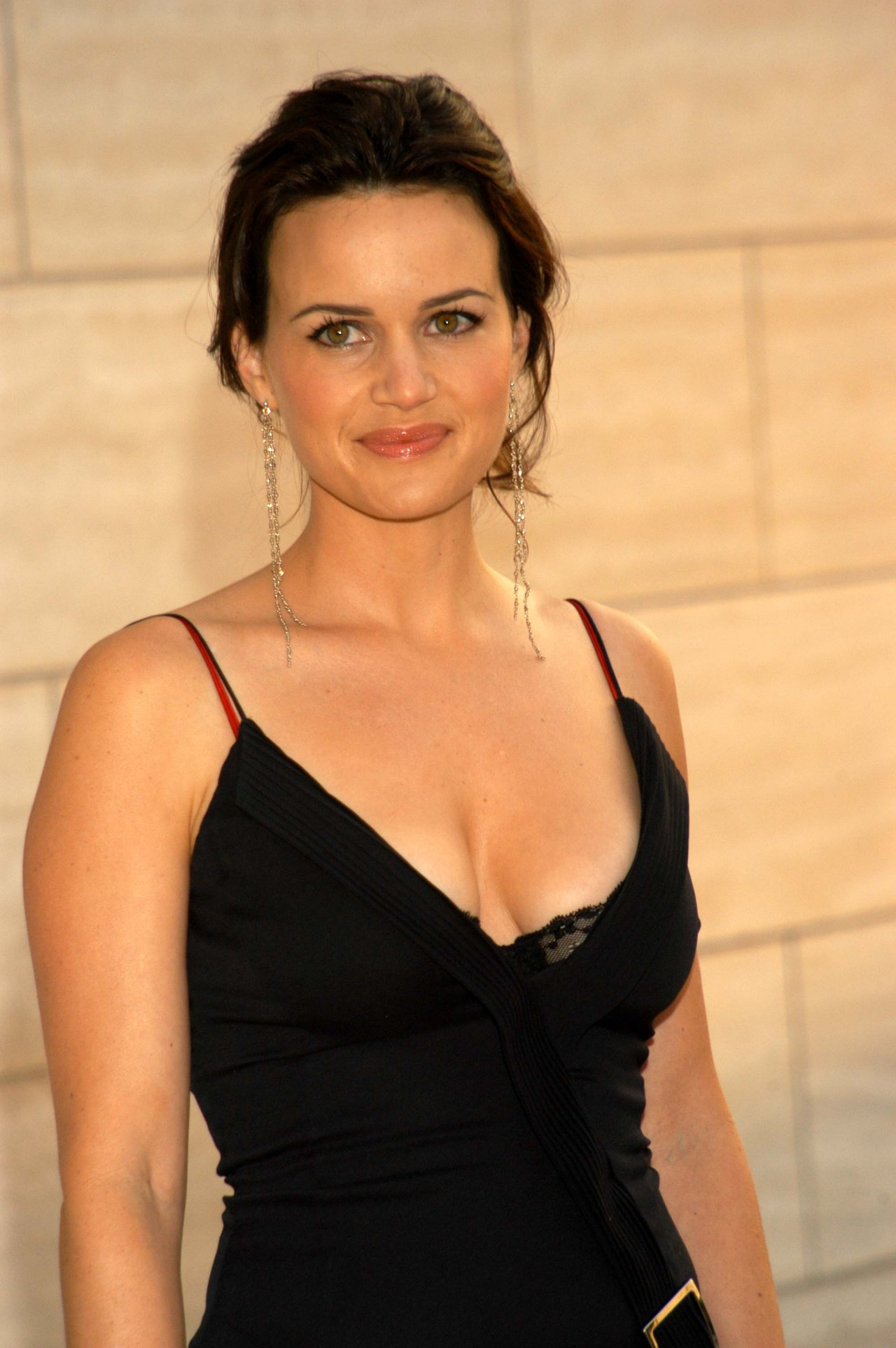 Carla Gugino HD Wallpapers free download