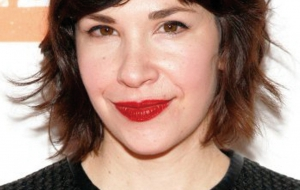 Carrie Brownstein iphone Wallpapers