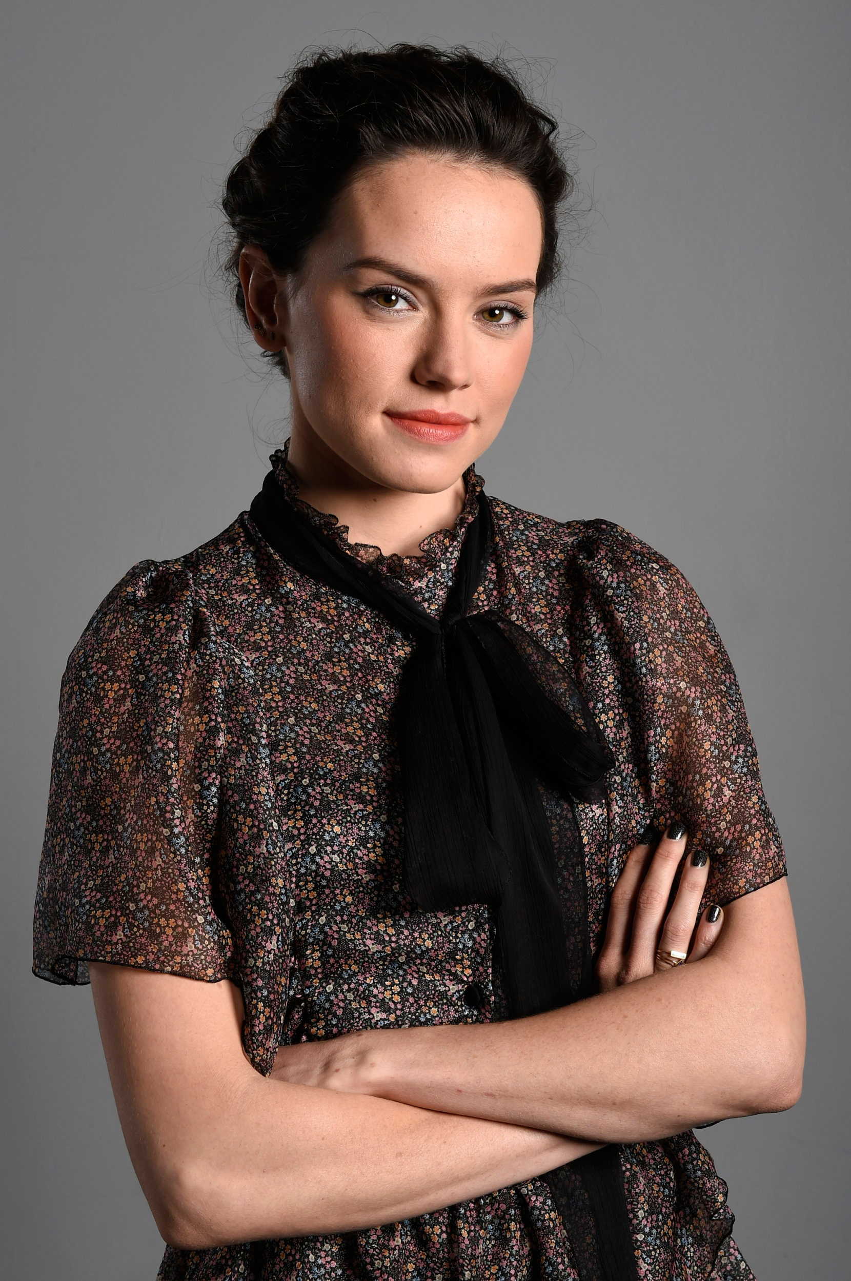 Daisy Ridley Iphone Wallpapers