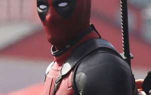 Deadpool movie for smartphone