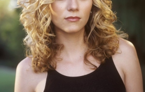 Hilarie Burton iphone Background