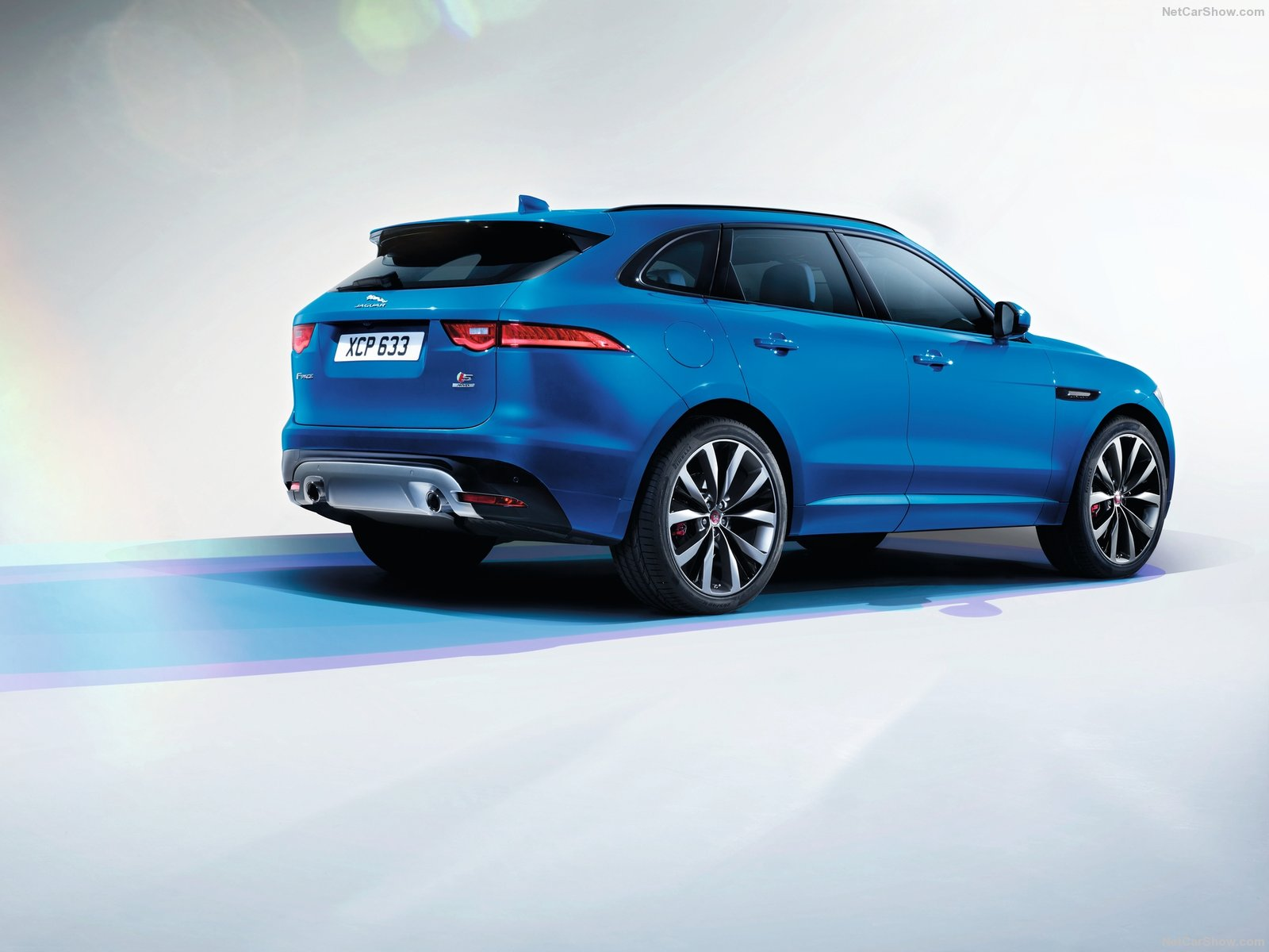 jaguar f pace 2016 wallpapers high resolution and quality download. Black Bedroom Furniture Sets. Home Design Ideas
