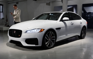 Jaguar XF 2015 Computer Wallpaper