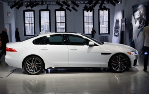 Jaguar XF 2015 Widescreen