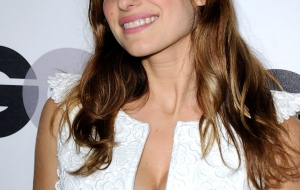 Lake Bell HD iphone