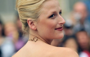 Mamie Gummer iphone Wallpapers