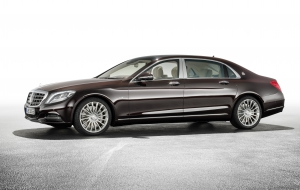 Mercedes-Maybach S600 Photos