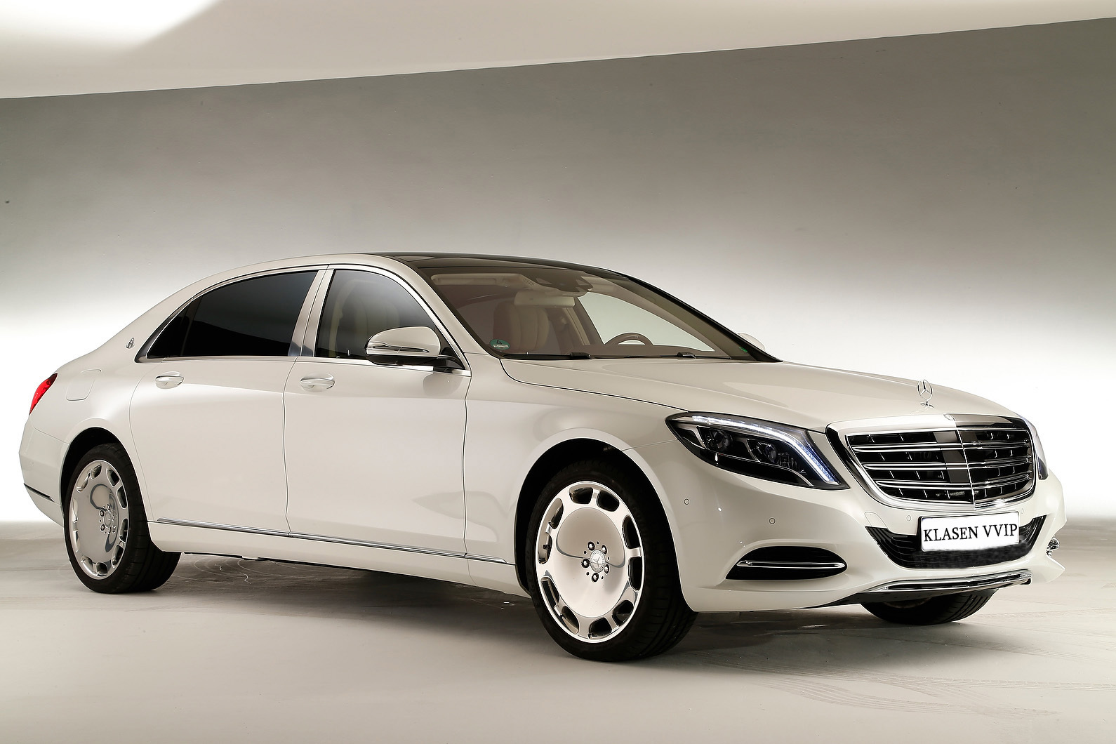 mercedes maybach s600 hd wallpapers free download. Black Bedroom Furniture Sets. Home Design Ideas