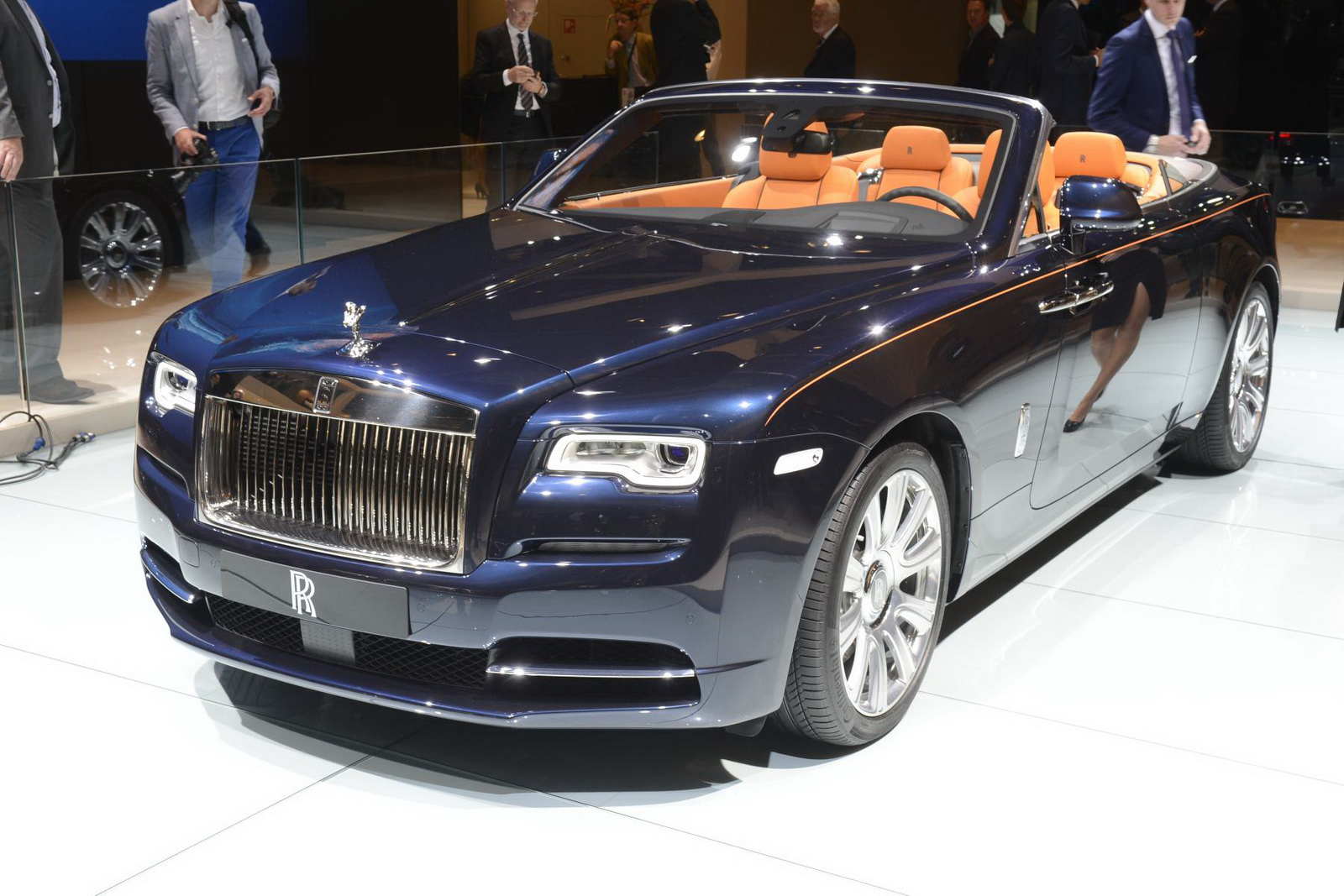 Rolls royce dawn hd wallpapers free download rolls royce dawn wallpapers hd voltagebd Gallery