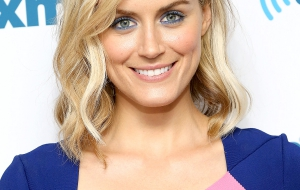 Taylor Schilling iphone HD Wallpaper