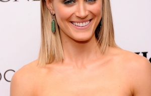 Taylor Schilling HD iphone