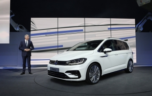 Volkswagen Touran 2016 Wallpapers HD