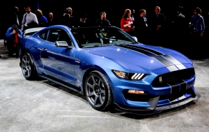 Ford Mustang Shelby GT350 2016 Wallpaper