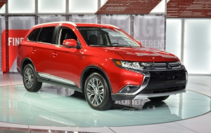 Mitsubishi Outlander 2016 Wallpaper