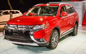 Mitsubishi Outlander 2016 Pictures