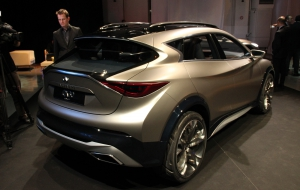 Infiniti QX30 Photos
