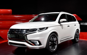 Mitsubishi Outlander 2016 Widescreen