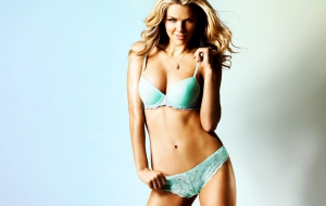 Brooklyn Decker HD Desktop