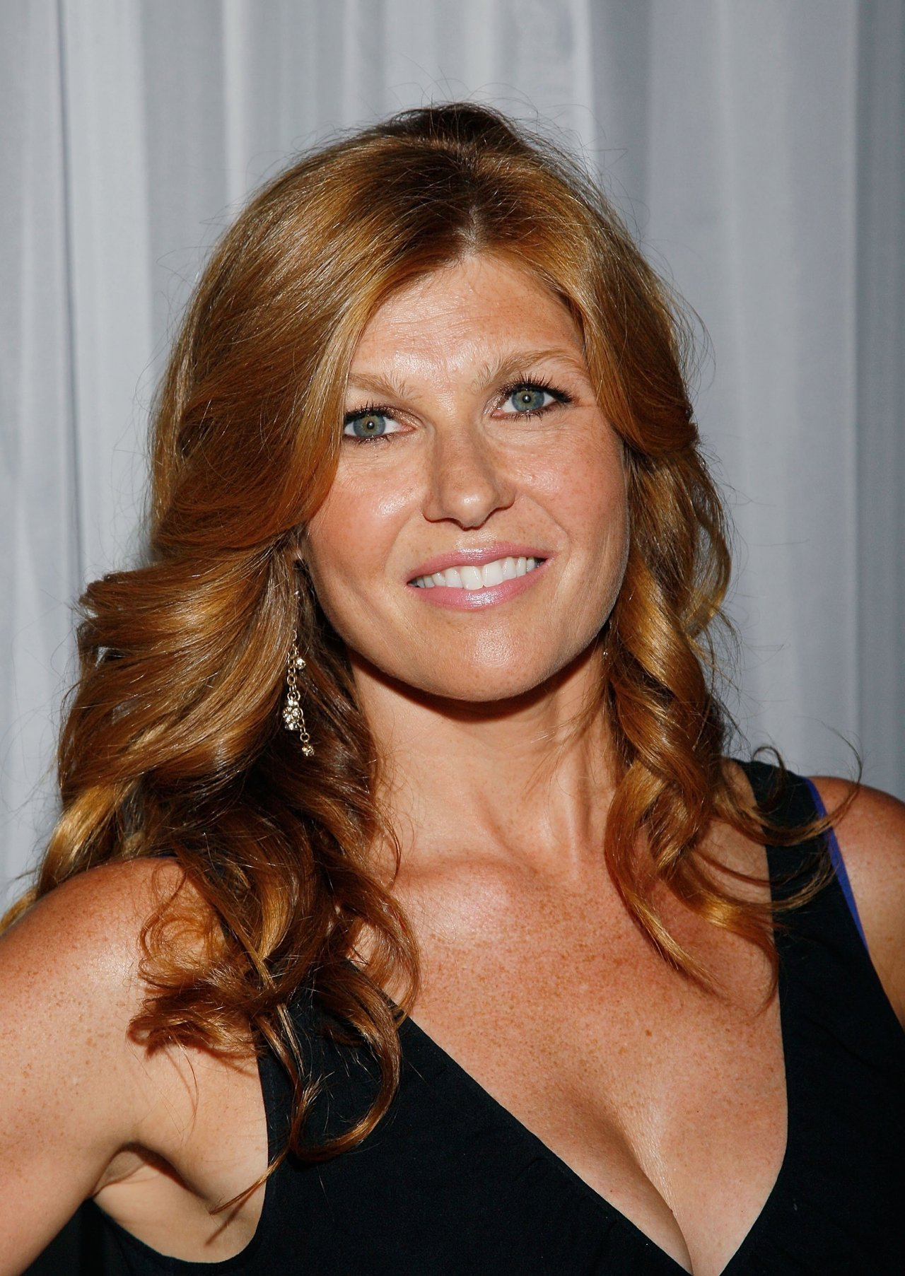 connie britton hd wallpapers free download