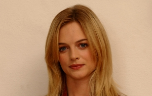 Heather Graham HD Background