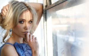 Katrina Bowden HD Wallpaper