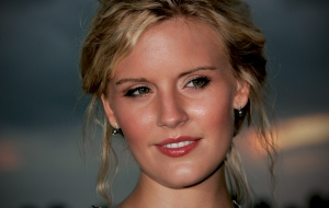Maggie Grace Widescreen