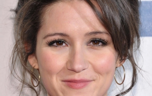 Shannon Woodward Wallpapers