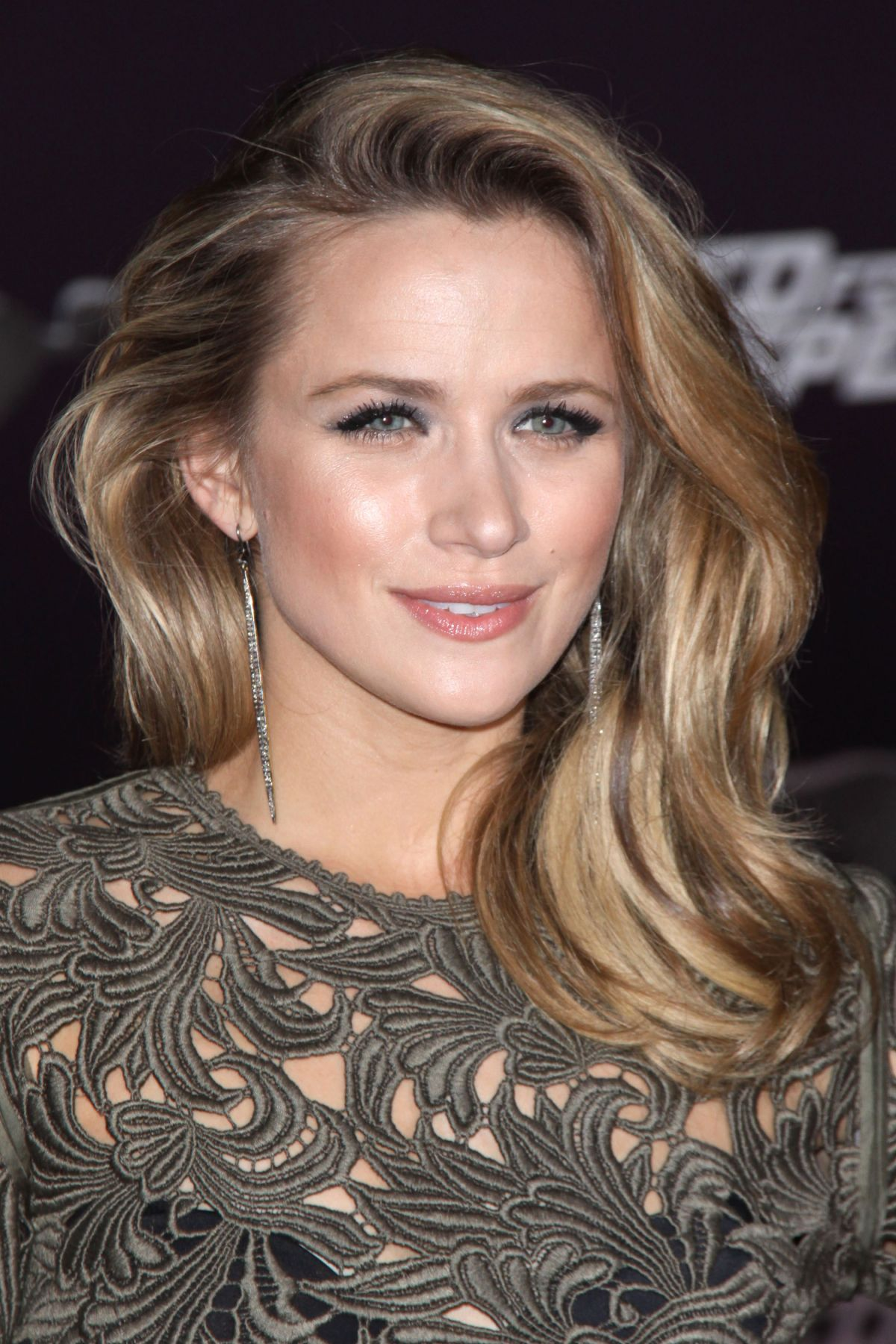 Shantel Vansanten Hd Wallpapers Free Download