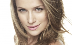 Shantel Vansanten HD Background