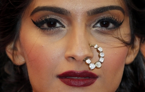 Sonam Kapoor High Quality Wallpapers