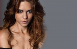 Lyndsy Fonseca High Quality Wallpapers