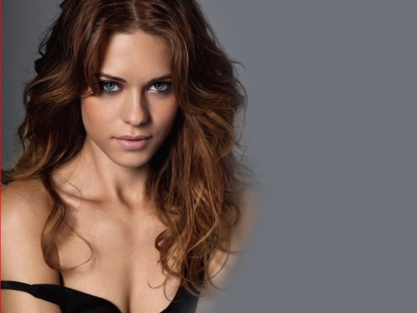 Lyndsy Fonseca Wallpapers High Resolution And Quality Download
