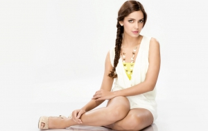 Shazahn Padamsee HD Wallpaper