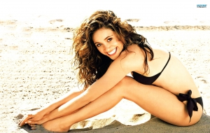 Emmy Rossum HD Wallpaper