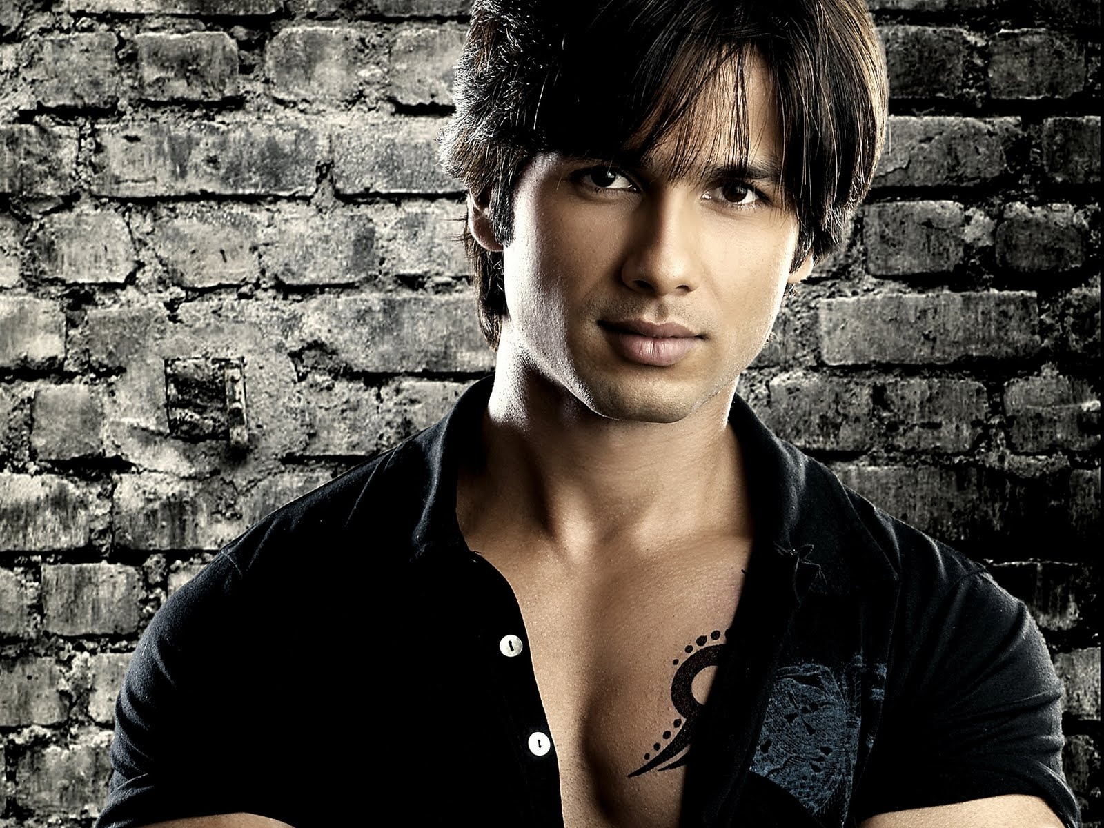 Shahid Kapoor Wallpapers High Resolution And Quality Download