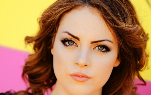 Elizabeth Gillies Background