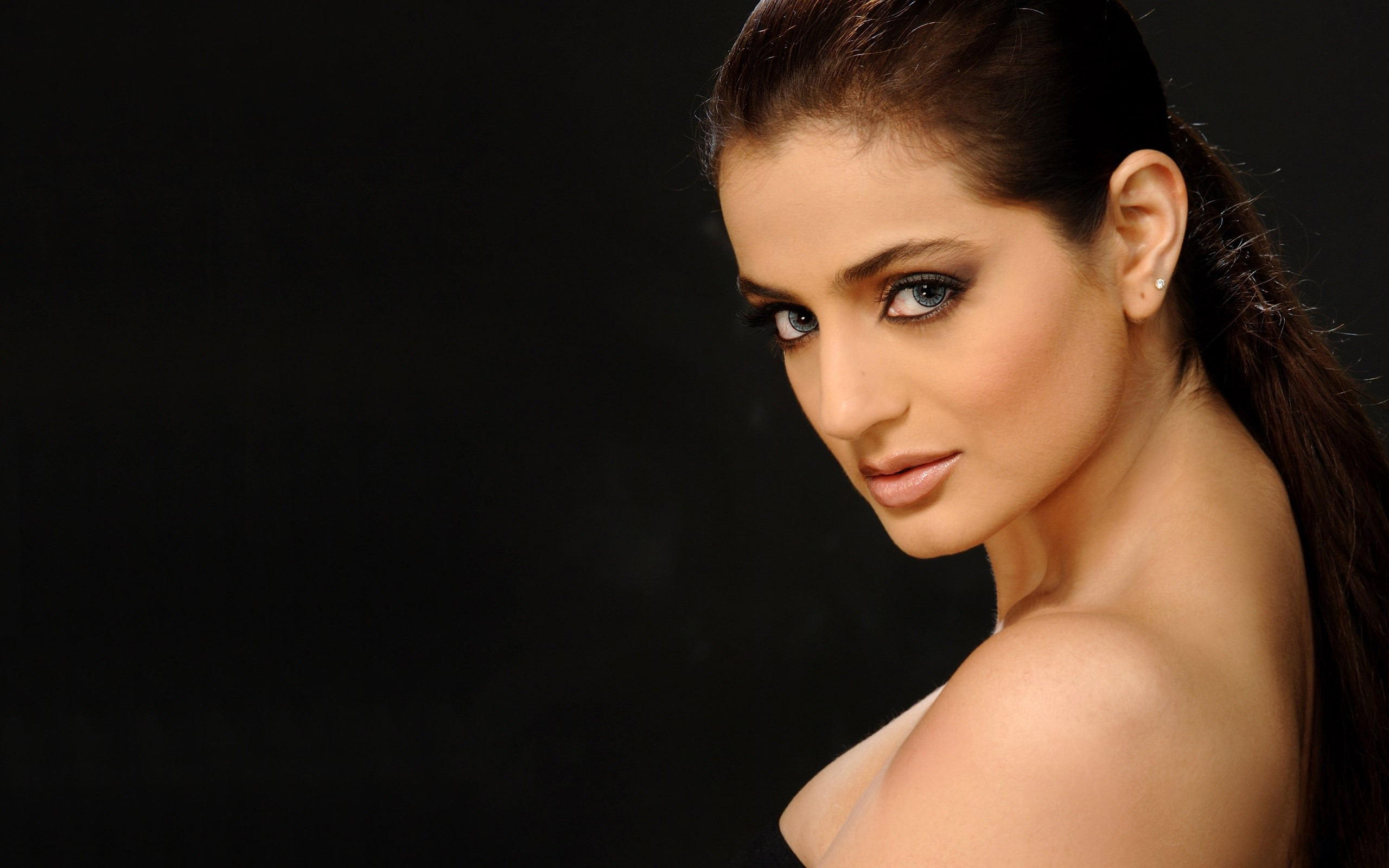 Ameesha Patel Hot Sexy Photos ameesha patel wallpapers high resolution and quality download
