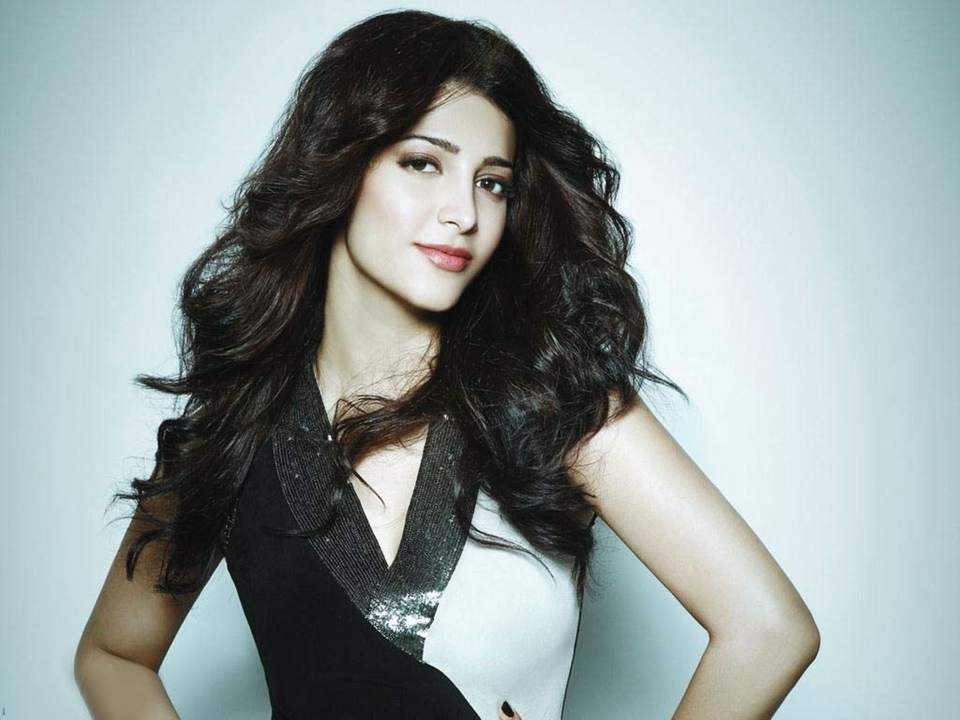Shruti Haasan: Shruti Hassan Wallpapers High Resolution And Quality Download
